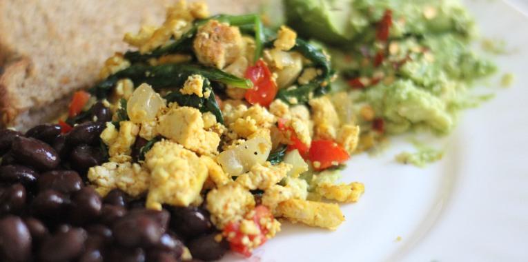 Southwestern Tofu Breakfast Scramble! – The Winey Vegan